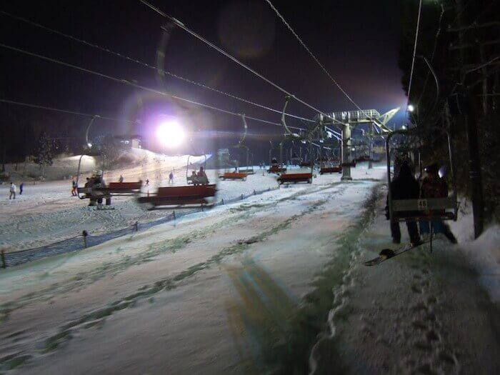 Rokkosan snow park chairlift - youcojapan